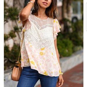 HD in Paris Flutter flores Floral blouse